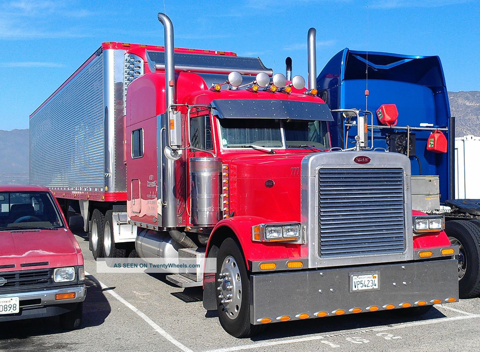 2004 Peterbilt 379exhd Sleeper Semi Trucks photo