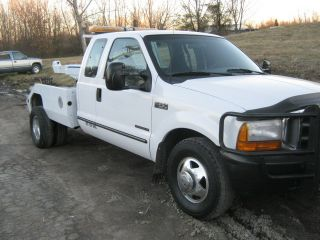 1999 Ford F - 350 Wrecker / Tow Truck / Eagle Repo Lift photo