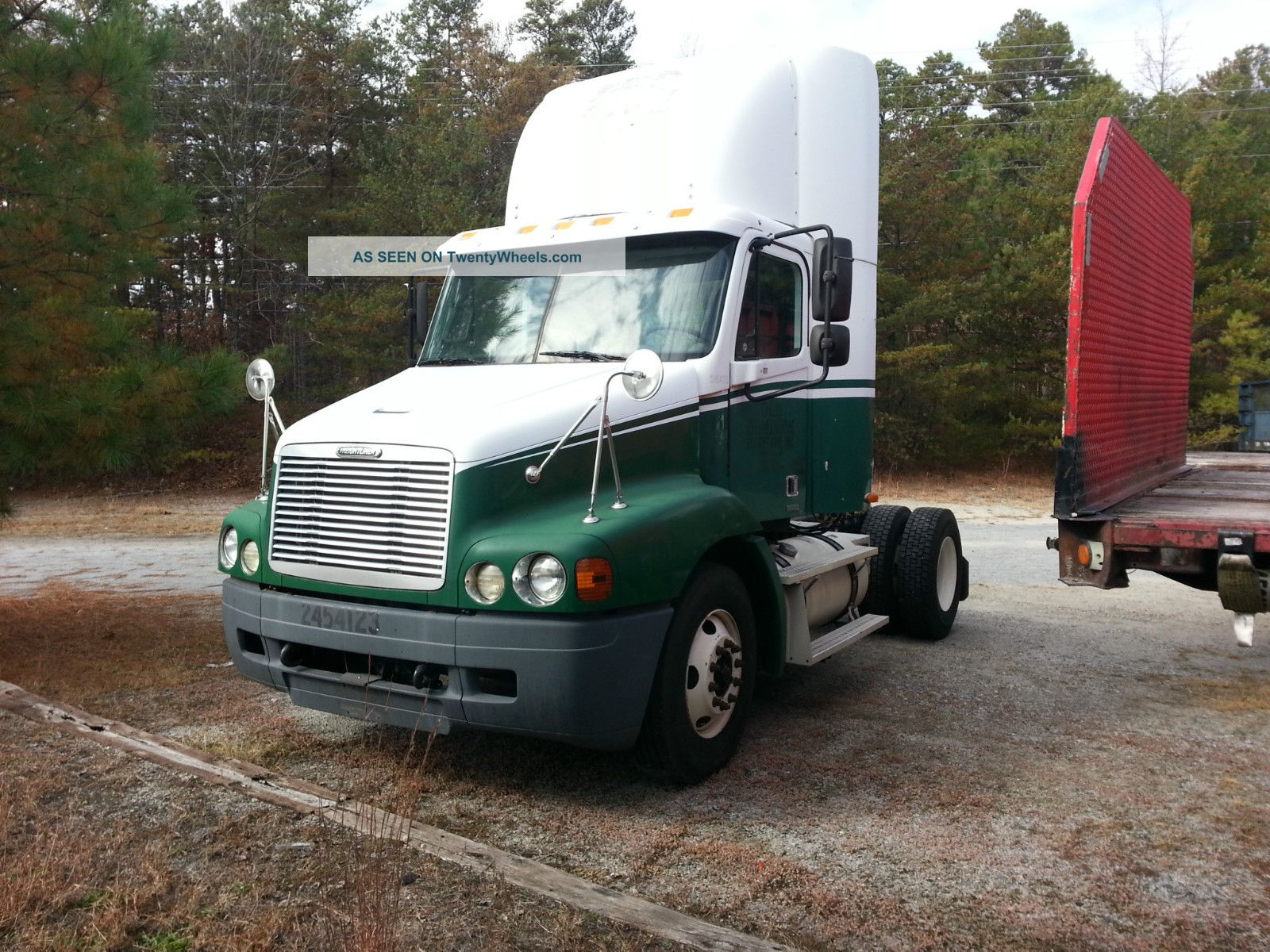 2004 Freightliner Century (cst112) S/a Daycab Daycab Semi Trucks photo