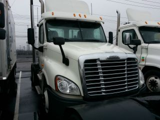 2012 Freightliner Cascadia photo