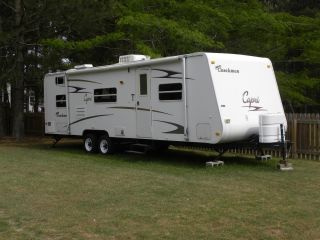 2007 Coachmen Capri photo