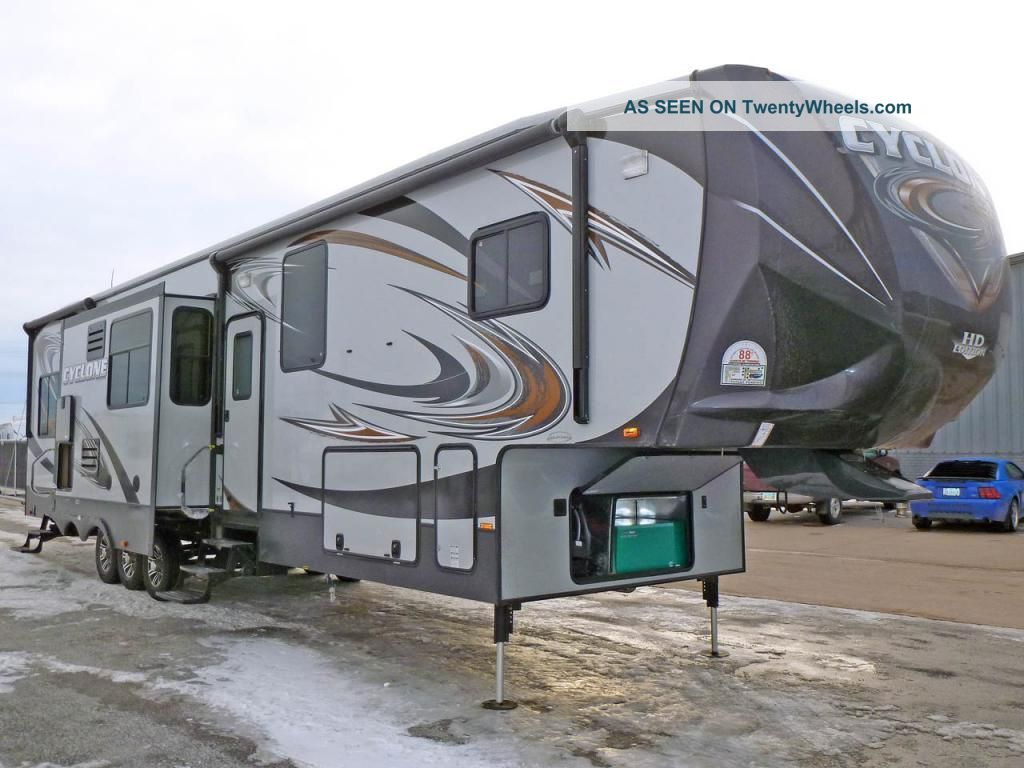 2013 Heartland Cyclone Toy Hauler W/ Deck,  Generator Cyclone Cy4000 Electric Bunks,  3slides $387/ Month Fifth Wheel RVs photo