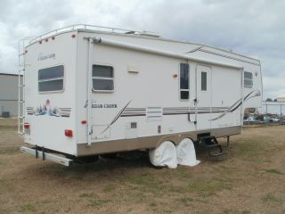 2001 Cedar Creek 5th Wheel photo