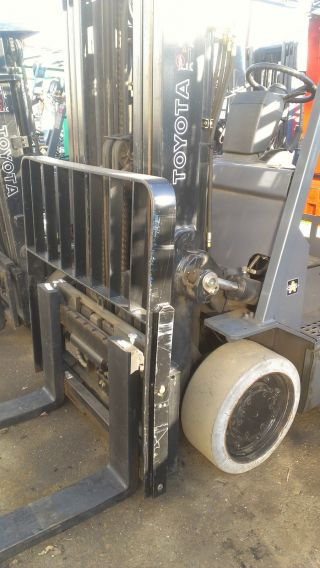 2007 Toyota Electric 8000 Capacity Forklift,  Triple Stage W/ Ss,  95% Battery photo