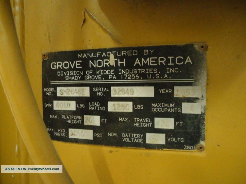 Grove Scissor Lift