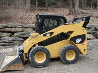 Caterpillar 262c Skidsteer Loader photo