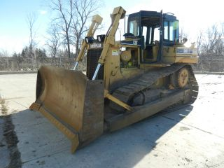 Caterpillar D6 Rxl photo
