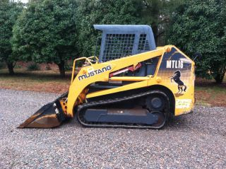 2006 Mustang Mtl16 Skid Steer Track Loader photo