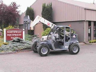 Terex 5519 Reach Forklift Telehandler photo