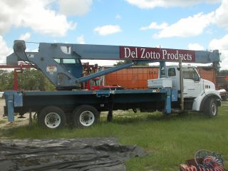 38 Ton Manitex Crane Truck photo