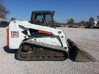 2005 Bobcat T250 Skid Steer Loader photo