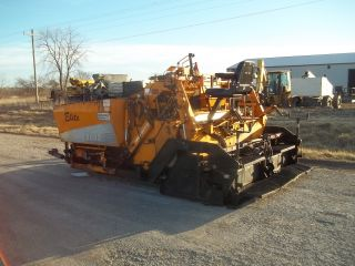 1998 Leeboy 8500 Asphalt Paver (operates Good) photo