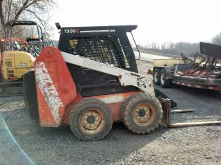 2000 Scat Track 1300 C Skidsteer Skid Steer Loader Bobcat Forks Perkins Diesel photo