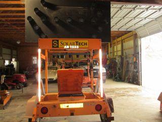 Solar Tech Ab - 0715d Portable Solar Battery Traffic Control Arrow Board W Trailer photo