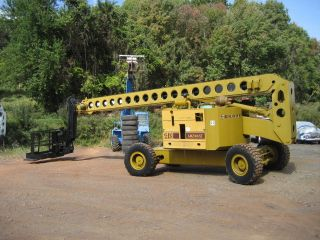 Grove Amz106xt Aerial Lift Diesel 4wd 106 ' Work Height 100 Ft Jlg Genie photo