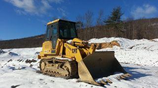 Caterpillar Cat 943 Track Loader Diesel Construction Machine Tractor Bulldozer. . photo