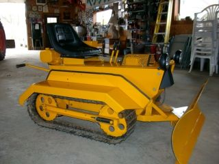 Struck Mini Dozer Crawler photo