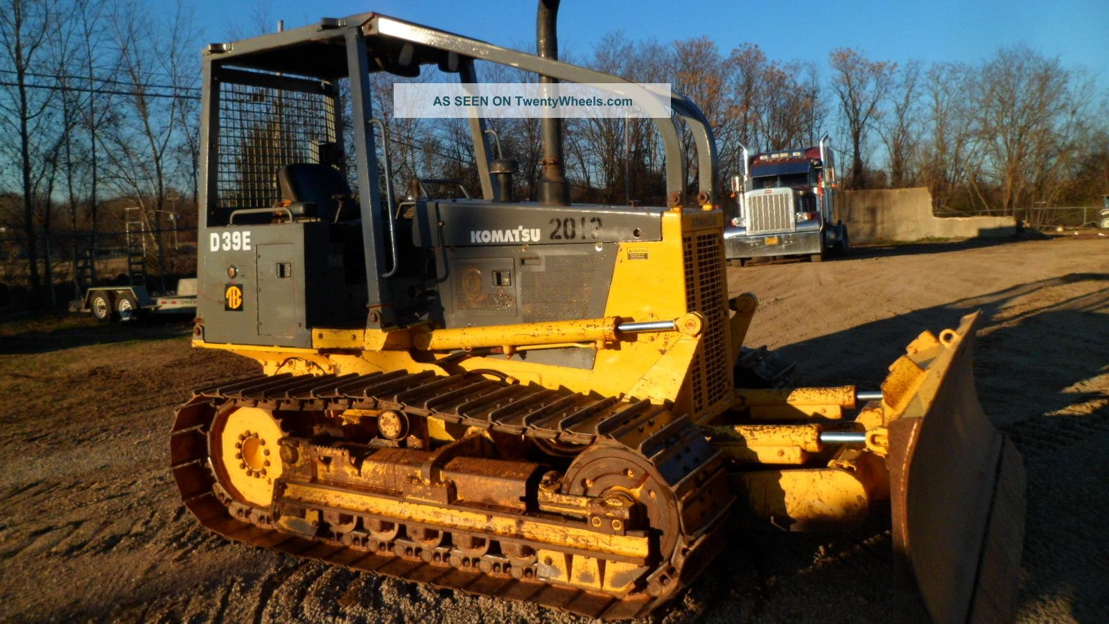 1998 Komatsu D39e - 1 Dozer - Crawler Tractor - Joy Stick Steering Crawler Dozers & Loaders photo