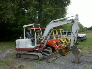 2004 Takeuchi Tb135 Mini Excavator Dozer Backhoe W/ Hydraulic Thumb photo