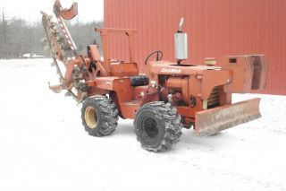 Ditch Witch R 40 Excellent Shape photo