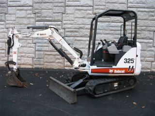 2011 Bobcat 325 G Series Mini Excavator Only 85 Hours All Barely photo