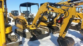 2008 Cat Caterpillar 302.  5c Excavator Track Hoe Tractor Diesel Machine Loader. . photo