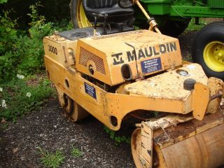 Mauldin Model 3000 Tandem Drum Vibratory Roller photo