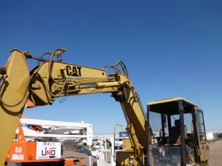 Excavator E70b Caterpillar photo