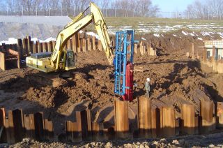 Pile Driver Mkt 11b3 Double Acting Hammer photo