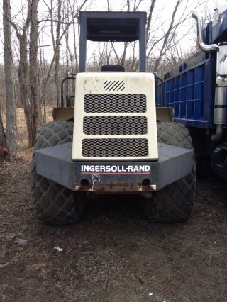 Ingersoll Rand 115 Pro Pac Smooth Drum Roller photo