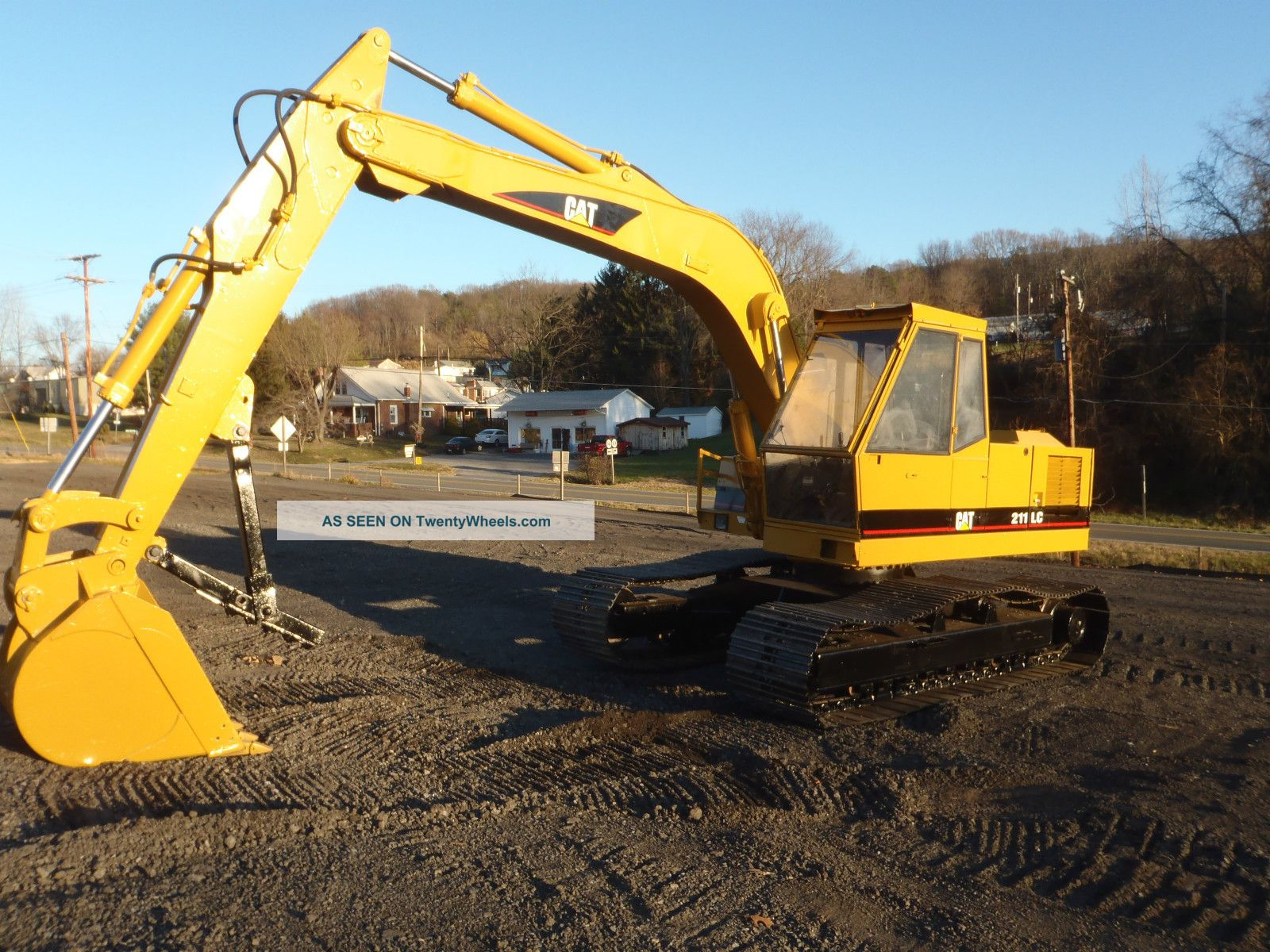 Caterpillar 211 Lc Track Excavator Good U/c Runs Good Great Farm Machine Export Excavators photo