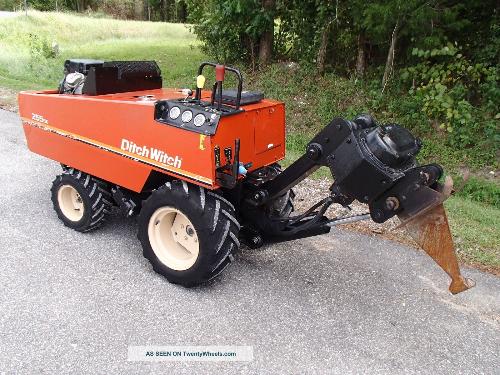 2000 ditch witch 255sx cable plow honda gas engine vermeer case rh twentywheels com Ditch Witch Rental Ditch Witch Com