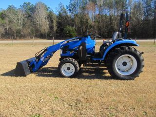 2008 New Holland T2320.  4wd.  93 Hours photo