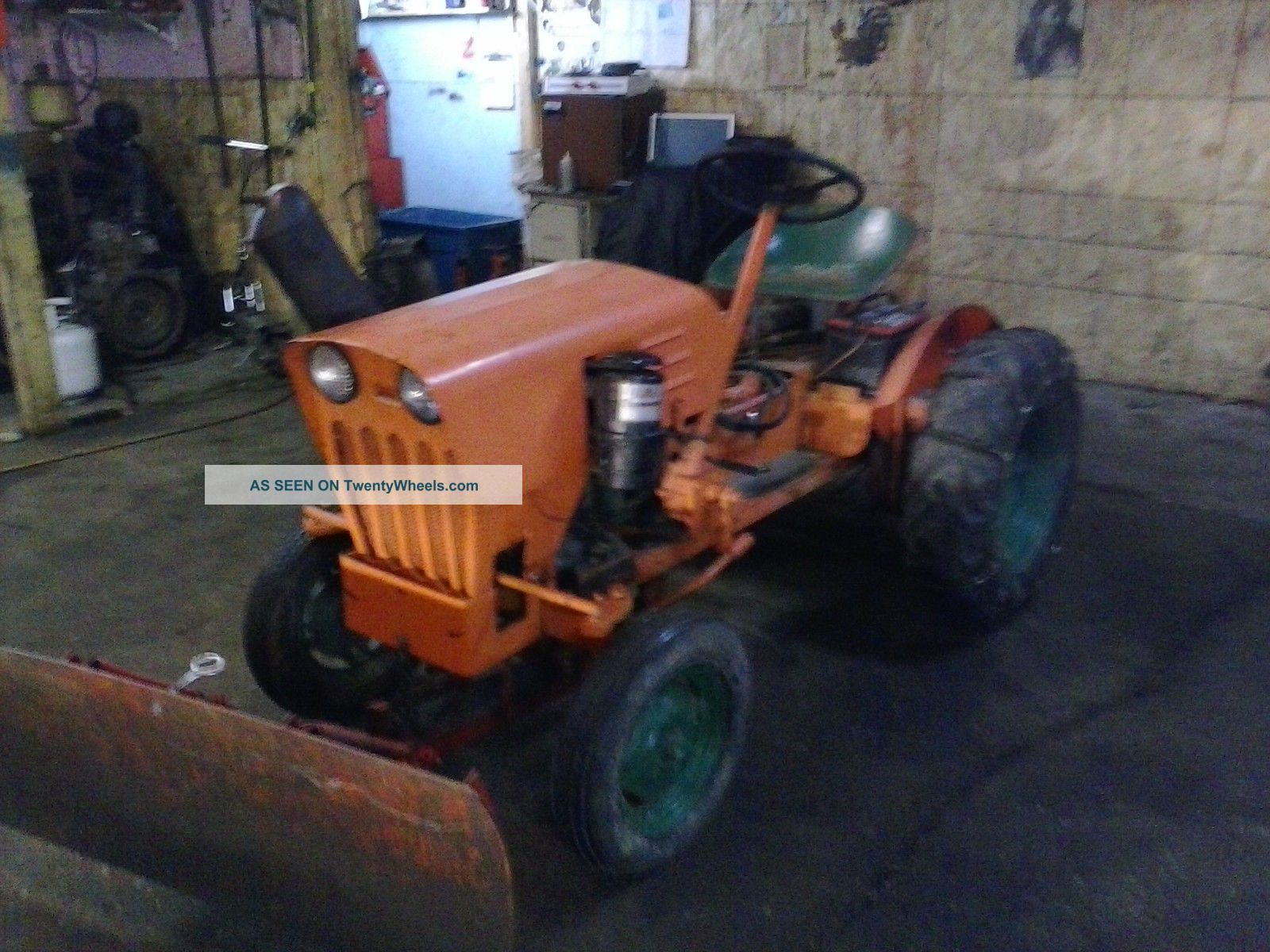 Power King Tractor With Diesel Engine And Hydrualic Snow Plow. Tractors photo