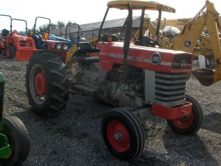 Massey Ferguson 165 photo