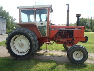 1972 Allis - Chalmers 200 Farm Tractor photo