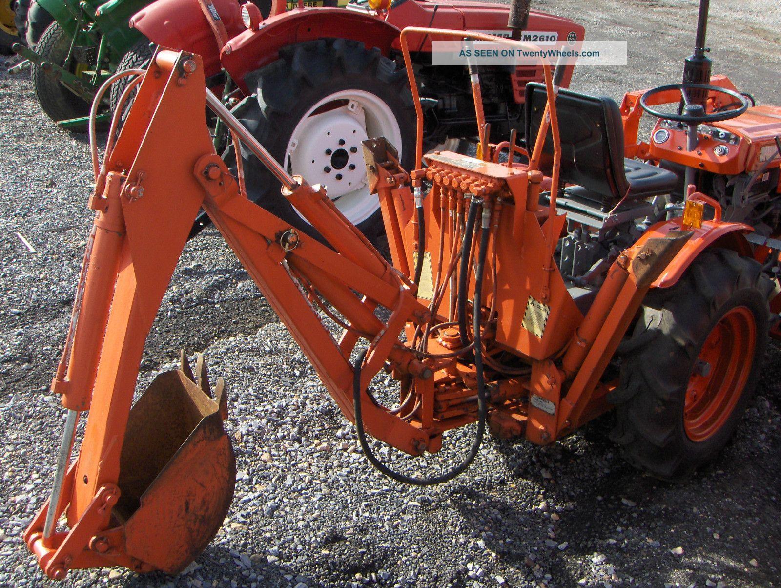Kubota B7100 Backhoe : Kubota b loader backhoe