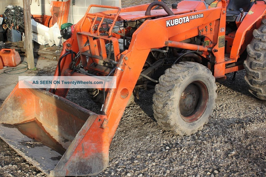 Kubota 4x4 Tractor With Loader,  Blown Motor. Tractors photo