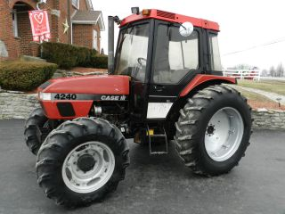 Case International 4240 Tractor & Cab - Diesel - 4x4 photo