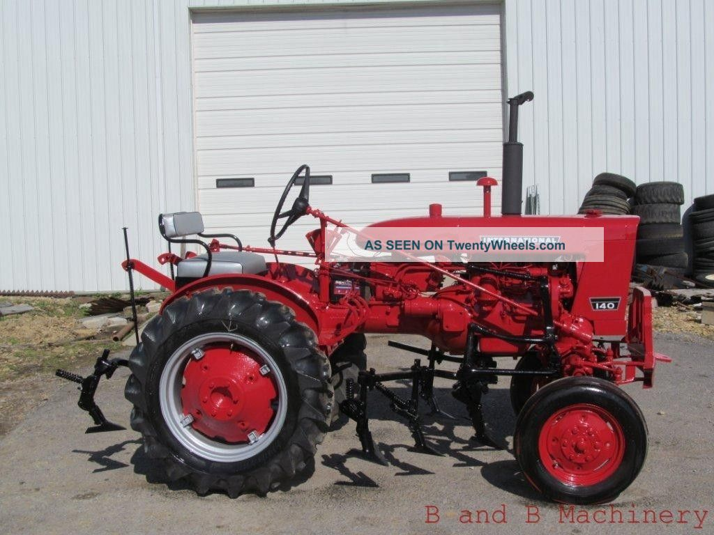 Farmall 140 Tractor : International farmall tractor w cultivators