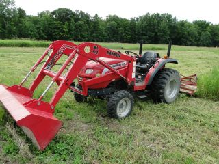 Mahindra 3510 4x4 Tractor With Loader,  Only 275 Hours photo