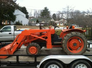 Kubota L235dt 4x4 Loader photo