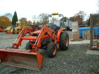 Kubota L3130hst Tractor Loader Good Shape photo