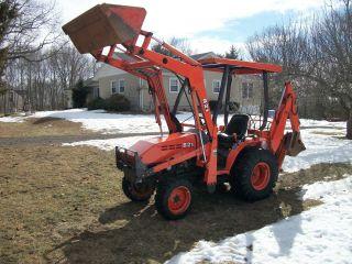 2007 Kubota B21 Tractor Loader Backhoe photo