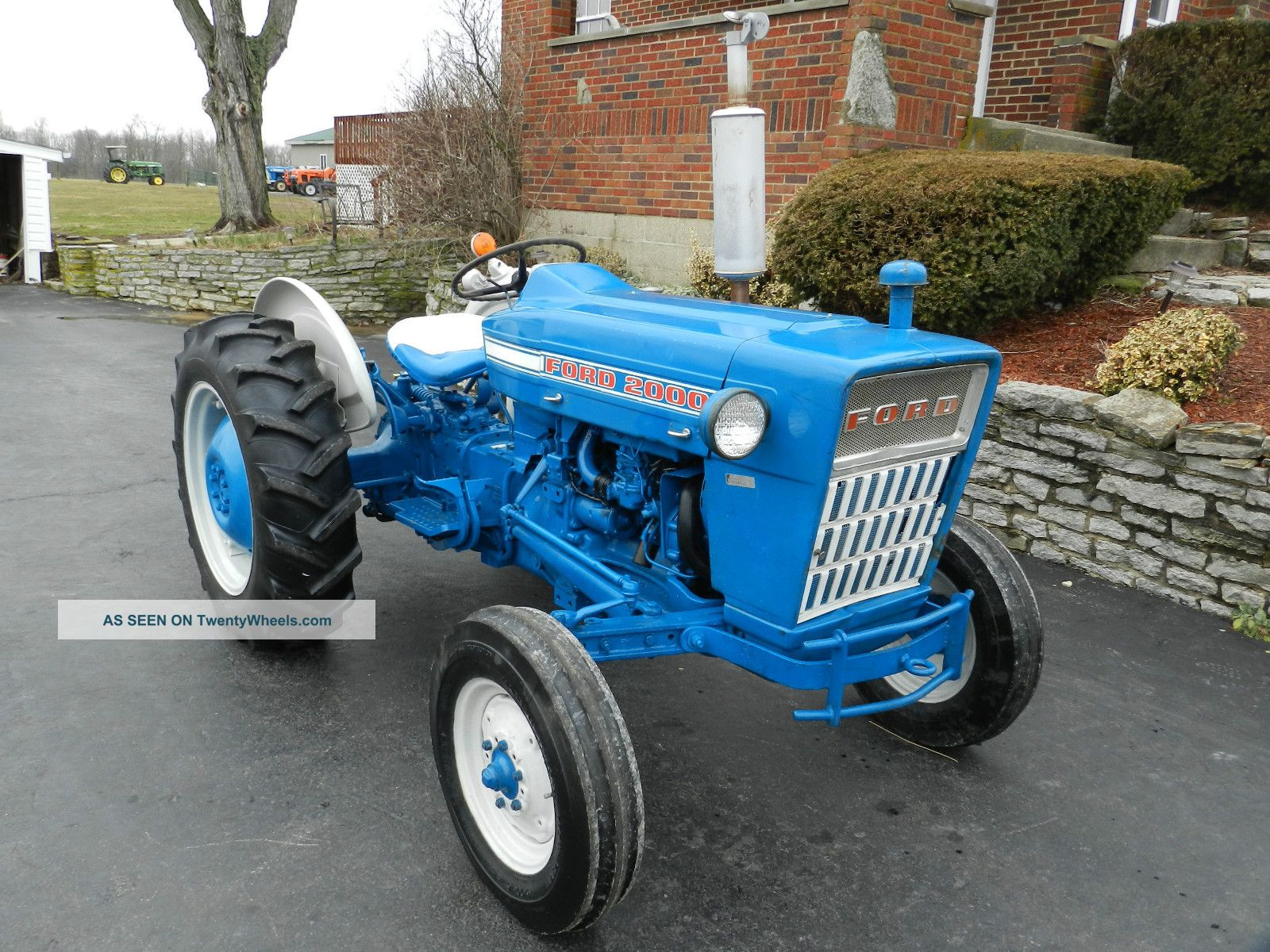 Ford 2000 Tractor Wheels : Pin tractor ford repoutiz lda on pinterest