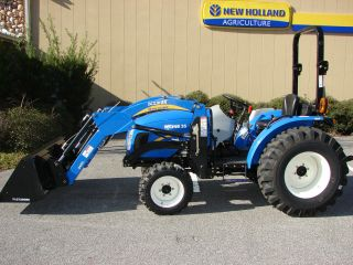 2012 New Holland Boomer 35 With Loader photo