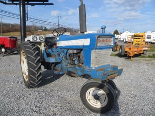 Ford 4000 Farm Tractor (gas) Selecto Speed 52 Hp // 1,  348 Hours // Rare photo