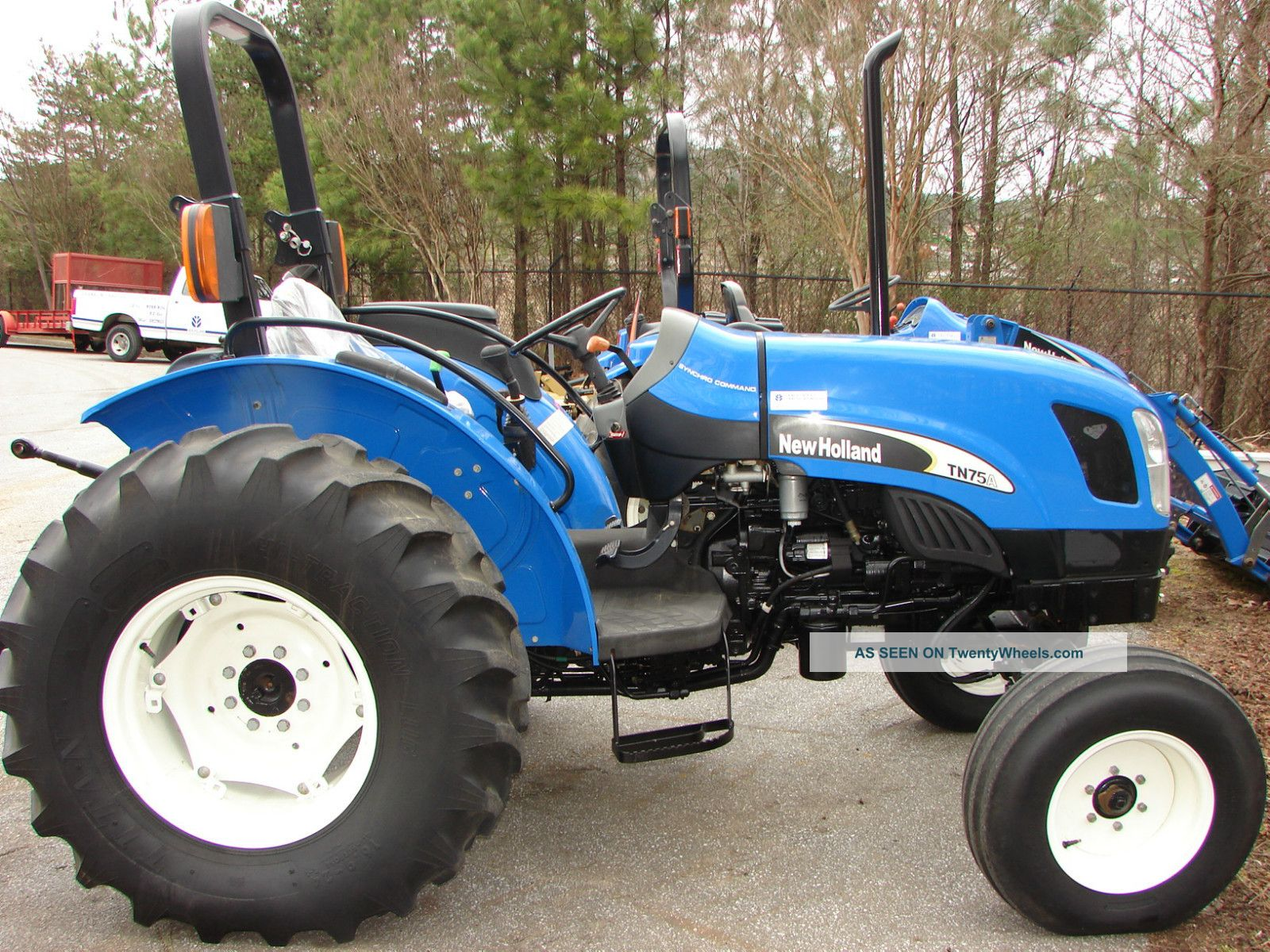 New Holland Tn75a 2wd Tractor