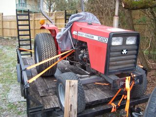 Massey Ferguson 1020 photo
