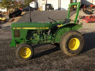 John Deere 850 Tractor 4wd photo